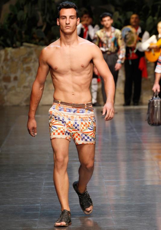 dolce-gabbana-collection-ss-2013-men-fashion-show-runaway-photo-03.jpg (534×763)