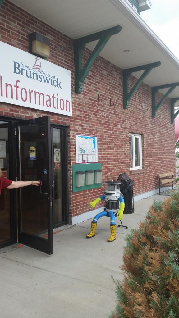 Retweeted by hitchBOT     Jean-Pierre Brien @BrienPierre     ·   Jul 28      Just waiting for the next ride at the Campbellton information Center! @hitchBOT @CBCNews @globeandmail
