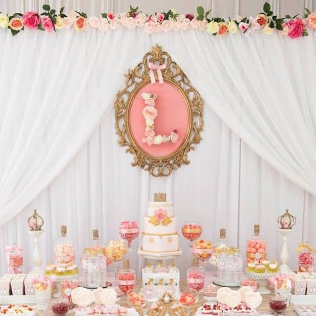 This pink + gold princess party will blow you away! See all the details + tons more photos on KarasPartyIdeas.com today (#directlinkinprofile)! Party styled by @sweeteventsfr!