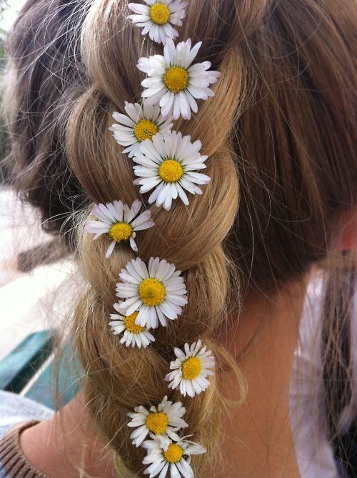 Flowery braid: Hairstyles, Idea, Hair Styles, Daisies, Braids, Beauty, Flowers, Daisy Braid