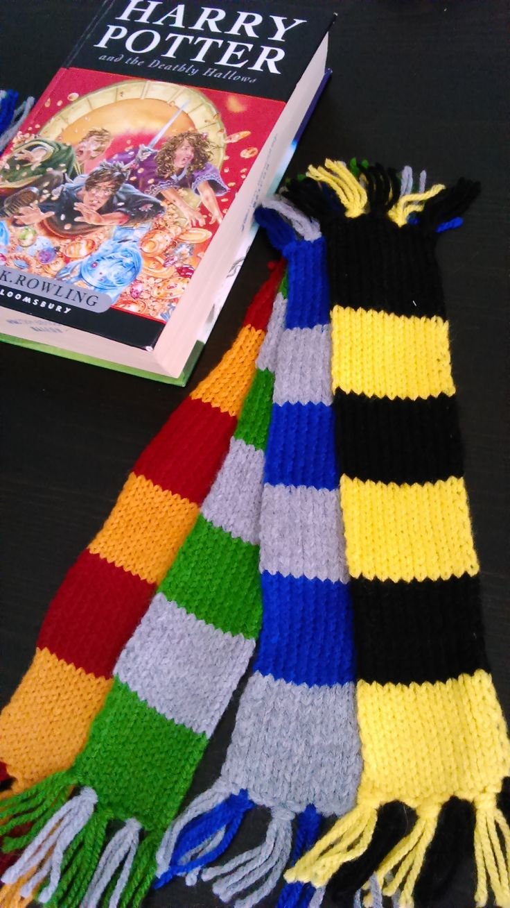 Harry Potter hand-knitted all 4 Houses bookmark-scarves!