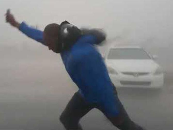Guy stands up to Hurricane Irma nearly gets blown away - CNET #757Live