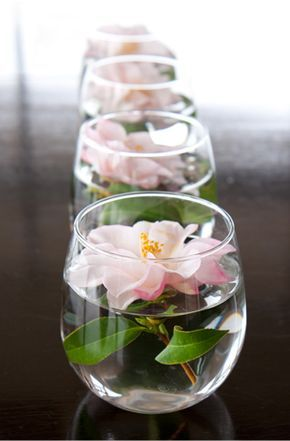 The 25 best inexpensive wedding centerpieces ideas on pinterest wodnerful diy unique floating candle centerpiece with flower junglespirit Gallery