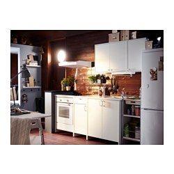 IKEA - FYNDIG, Cucina, La struttura, l'anta e il frontale cassetto sono rivestiti di melammina: una superficie resistente ai graffi e facile da pulire.I piani di lavoro in laminato sono molto resistenti e di facile manutenzione. Basta poco per mantenerli come nuovi anno dopo anno.Lavello in acciaio inossidabile, un materiale igienico, resistente e facile da pulire.La superficie in ottone cromato è dura, resistente e facile da pulire.La cartuccia del miscelatore ha dischi in ceramica…