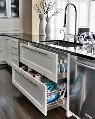 Drawers under. NO upper cabinets. Minimal upper cabinets. Lots of natural light