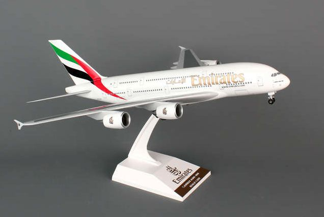 Skymarks Emirates Airline Airbus A380-800 1/200 Plastic Model