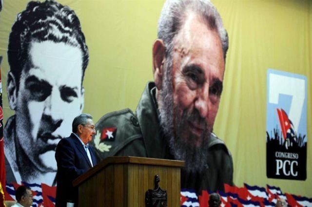 """""""Cuba y el falso fin de la historia"""" por Carlos Alberto Montaner https://shar.es/1DEnhZ"""