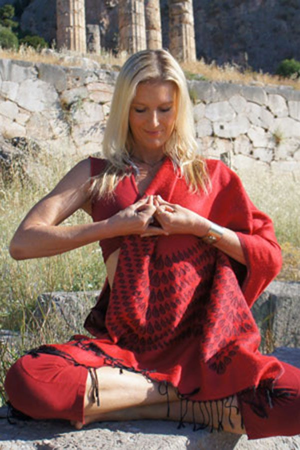 Shiva Rea offers five hand mudras to cultivate heart consciousness in celebration of the Summer Solstice and International Yoga Day.