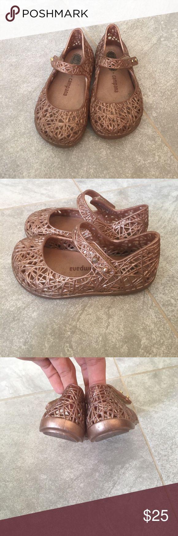 Mini Melissa pink shoes size 6 Mini Melissa pink shoes size 6! Mini Melissa Shoes Slippers
