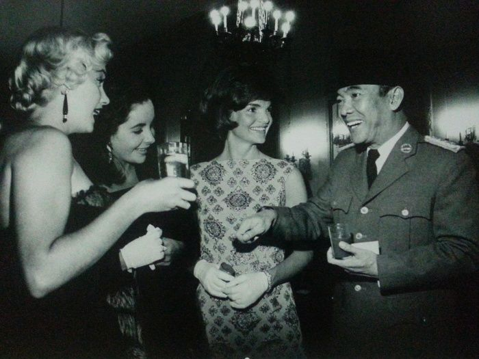 Marilyn Monroe, Elizabeth Taylor, Jackie Onassis & Sukarno