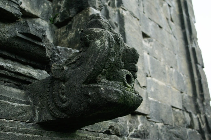 At a corner of one of the temples, a unique carving bulging out of the structure and may have seems to be a kind of a shower. The features may indicate that at one time the temples compound of Dieng already had sophisticated plumbing system.
