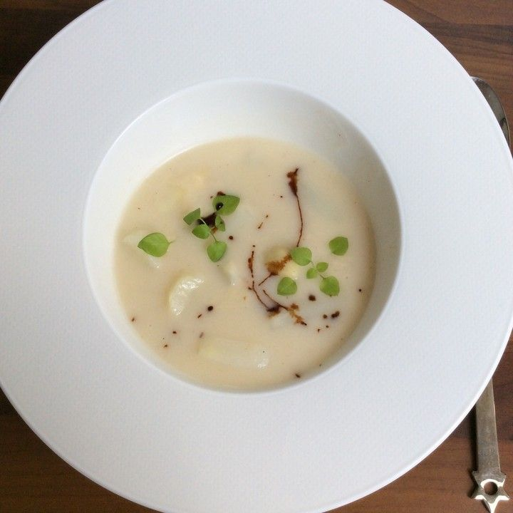 Kays Spargelcremesuppe aus Spargelschalen, ein sehr leckeres Rezept aus der Kategorie Kochen. Bewertungen: 15. Durchschnitt: Ø 4,3.