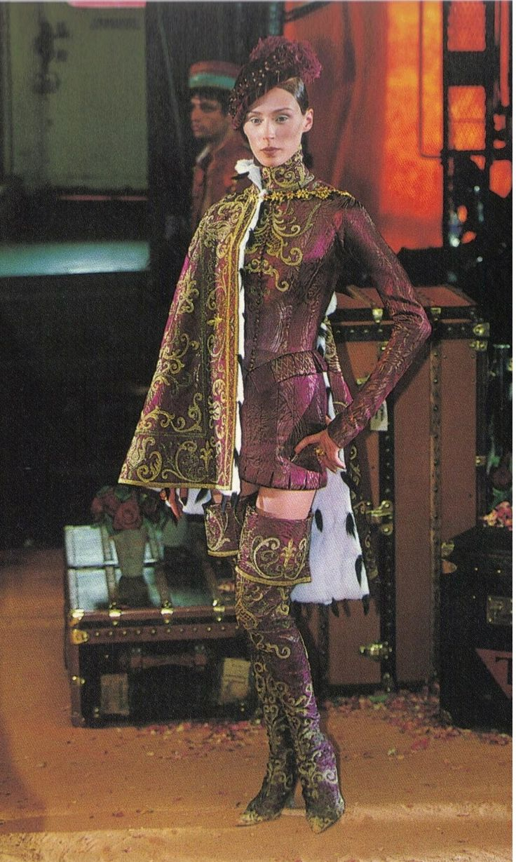 1998-99 - Galliano 4 Dior Couture show - Olga
