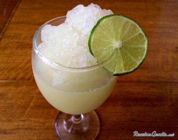 Granizado de pepino y limón #Bebidas #Recetasfáciles #BebidasRefrescantes #BebidasSaludables #BebidasNaturales #BebidasQuemaGrasa #Dieta #Granizado