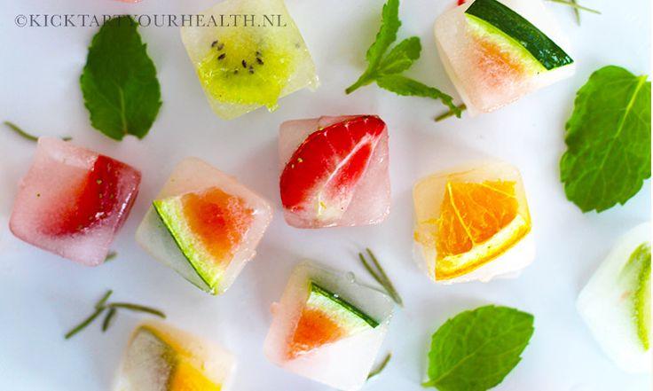 Infused ijsklontjes met een natuurlijk smaakje, samengesteld met vers fruit, groente of specerijen. Een gezonde frisdrank vervanger!