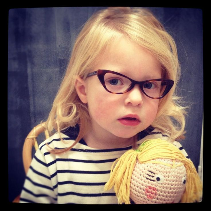 those glasses on a little girl are so adorable.