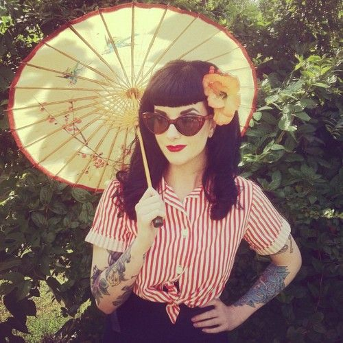 Makes me miss my Bettie bangs. Maybe after the wedding I'll go back to these