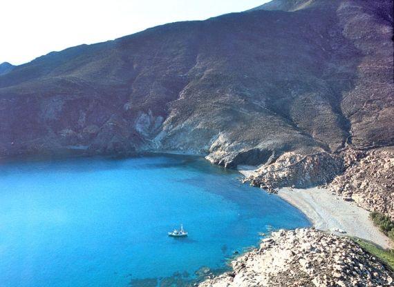 Παραλία Λιβάδα, Τήνος, livada, #beach, #tinos, #cyclades, #greece, www.greektips.gr