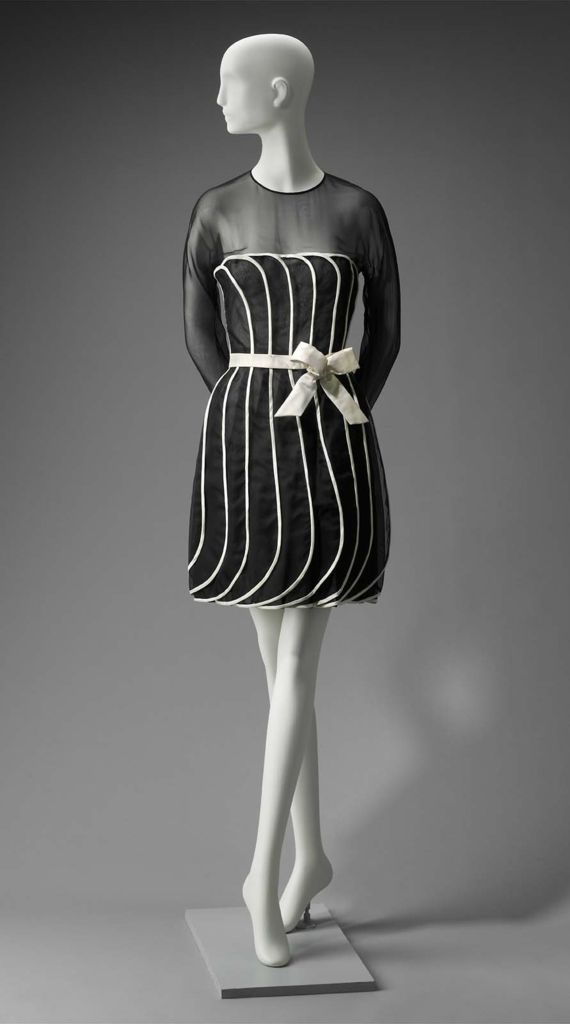 S/S 1992, America - Woman's dress by Arnold Scaasi - Silk plain weave (organza); silk satin; plastic; metal