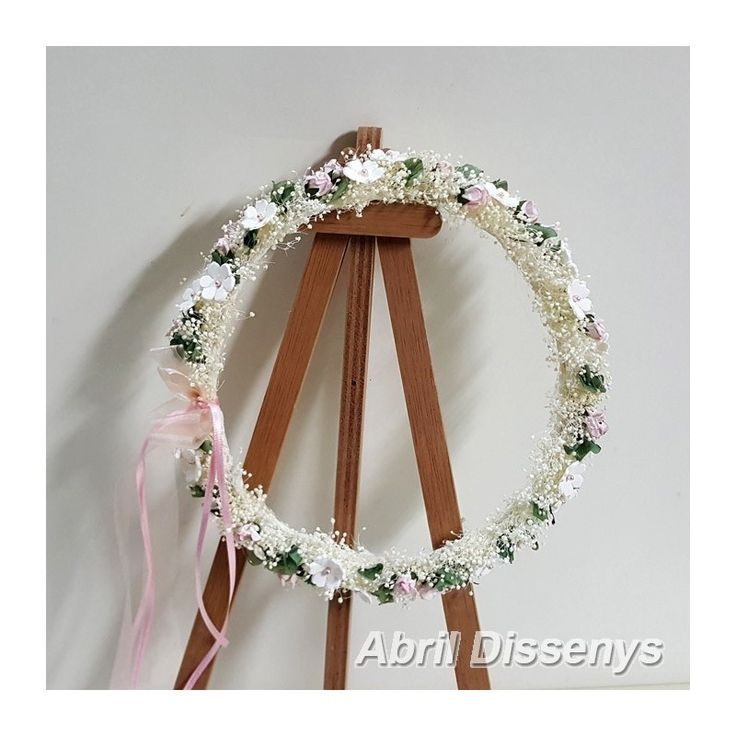 Corona de Paniculata con Flores de Porcelana color Rosa. Una corona para el pelo delicada y elegante, especial Niñas de Comunión o Niñas de Ceremonia. Un adorno para el pelo que encantará a las niñas y realzará su pelo en un día especial.