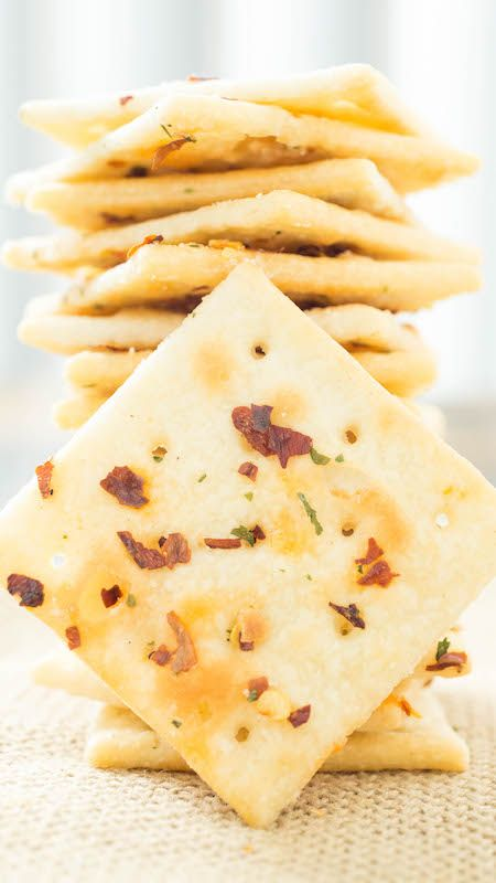 Fire Crackers Recipe (Saltines seasoned with ranch, red pepper flakes, and garlic)