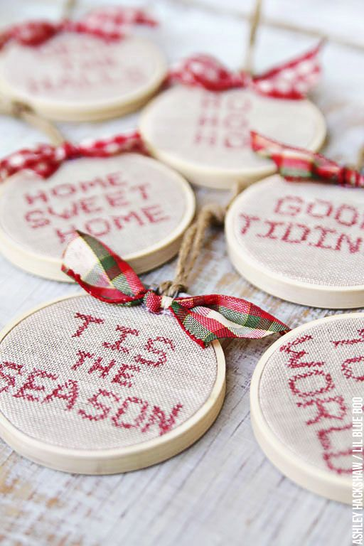 Vintage Rustic Christmas Ornaments - DIY Project Ideas - Embroidery Hoops