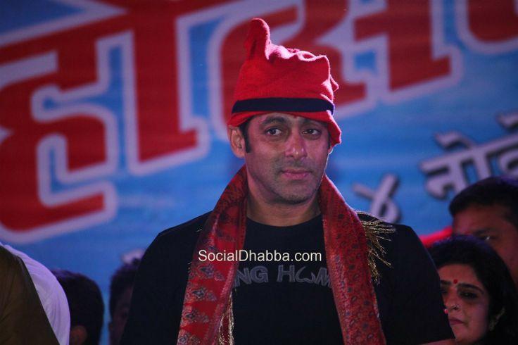 Salman Khan, Raj Thackeray inaugurate Koli Festival 2013 (43)