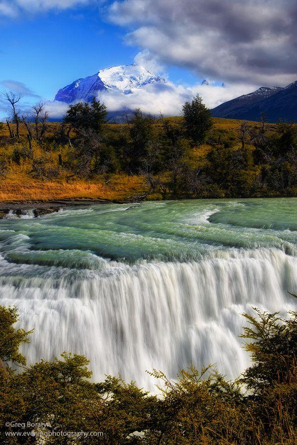 Waterfalls, Río de las Vueltas near El Chaltén, Los Glaciares National Park , Patagonia, Argentina