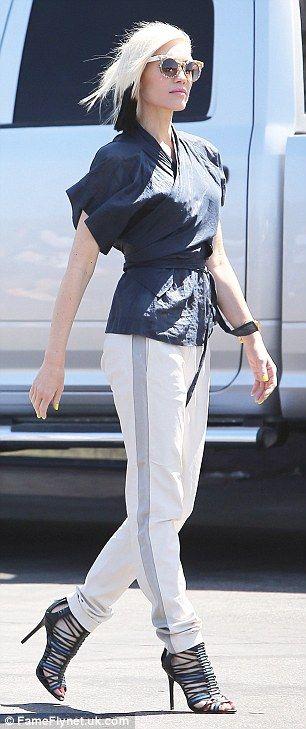 Gwen Stefani, 5-10-15