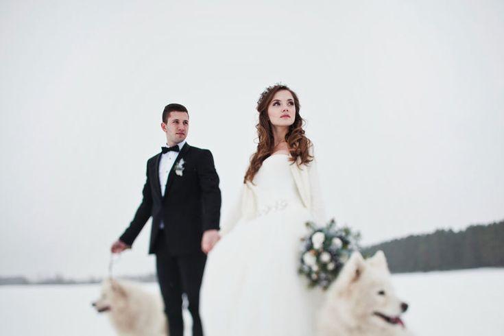 Свадебная фотосессия зимой. Идеи для фотосъемки, примеры от лучших свадебных фотографов, реквизит для печати. Как получить зимние сказочные фотографии.