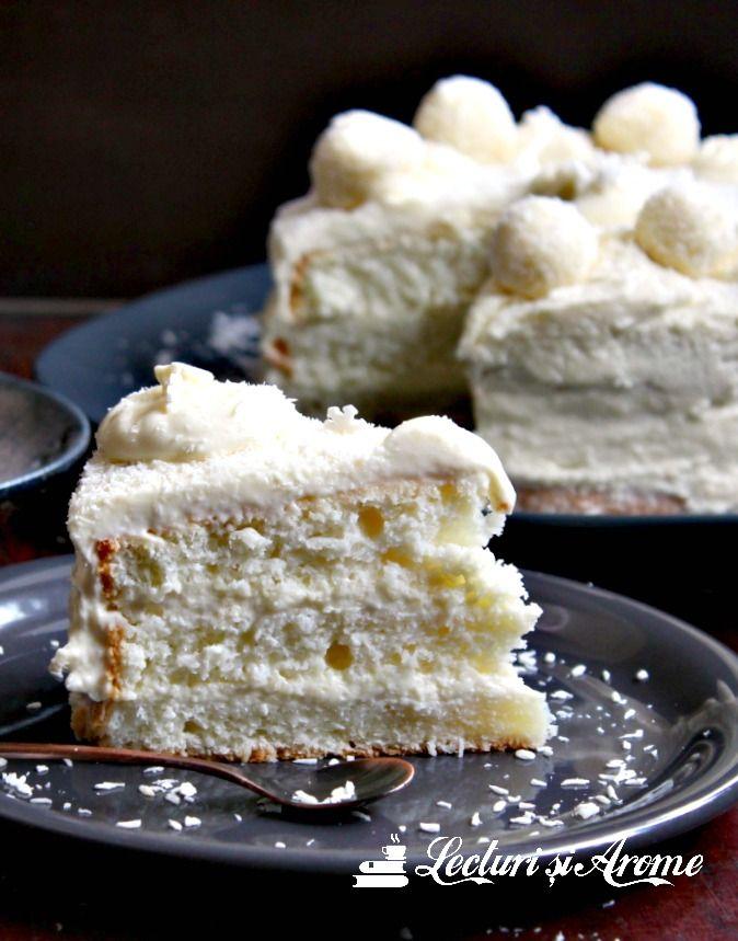 Tort Raffaello cu blat din albusuri si nuca de cocos, crema de mascarpone cu ciocolata alba