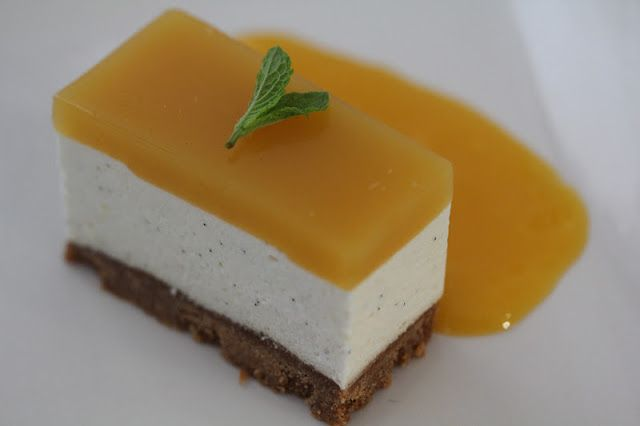 Cheesecake (sans cuisson) au brillat savarin, fruit de la passion et mangue , une recette du chef du Frenchie   On dine chez Nanou