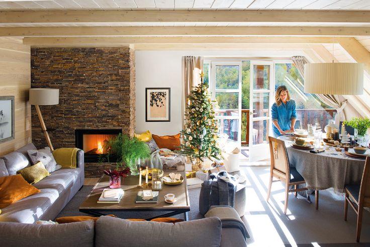 salon comedor de un piso rustico decorado con motivos navideños