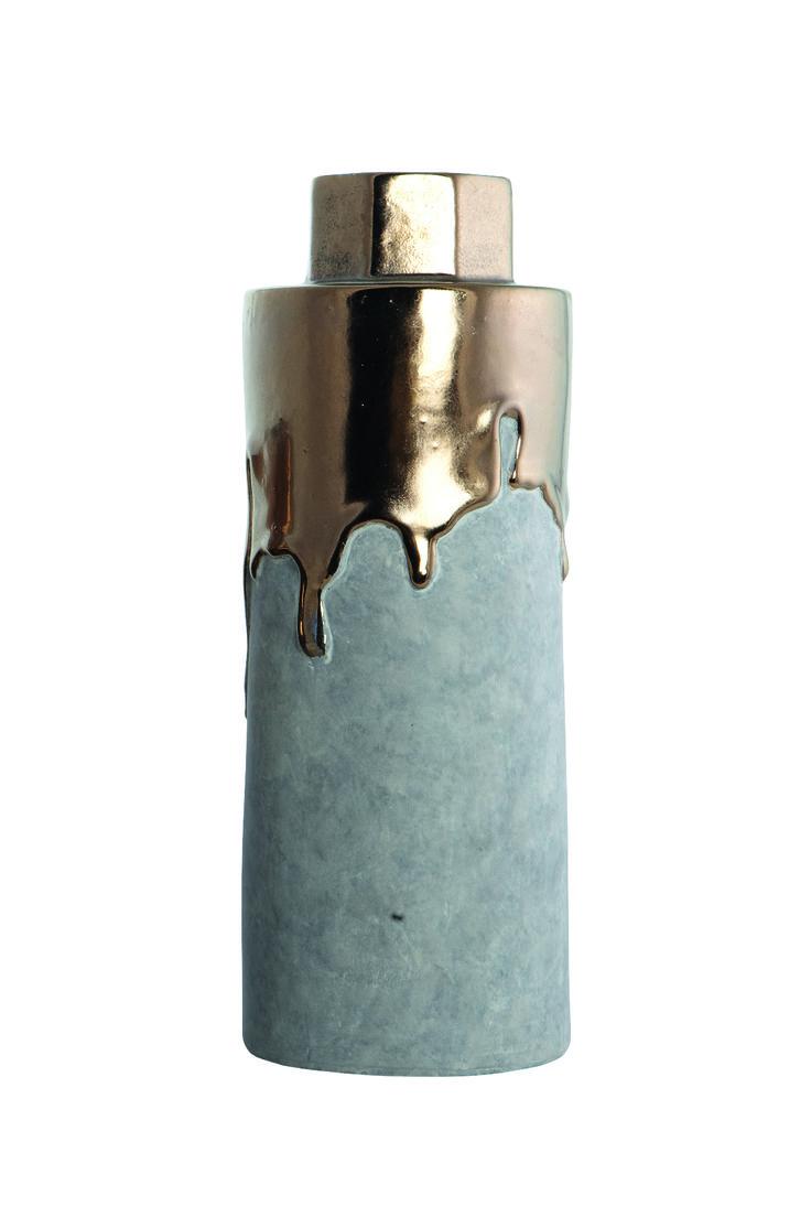 http://mooseartdesign.pl/pl/akcesoria-moose/wazon-hexa-gold-house-doctor-detail Wymiary: sze:8/12 wys:32cm Materiał: biała glina,szkliwo