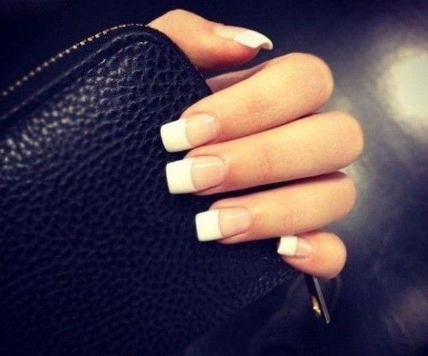 Unghie quadrate e french manicure