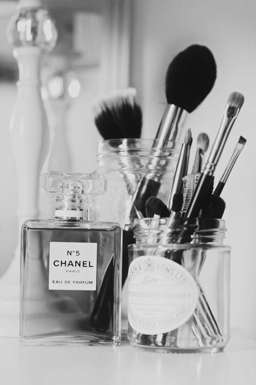 Chanel Black and white iPhone wallpaper