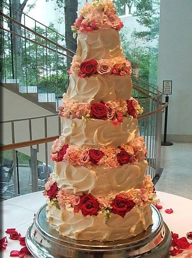 Love That This Is A Wedding Cake Done Without Fondant...and Its BEAUTIFUL
