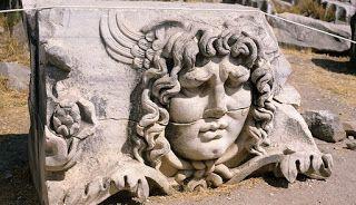 Conspiracy Feeds: Οι κατάρες των Αρχαίων Ελλήνων και η άγνωστη ιστορ...