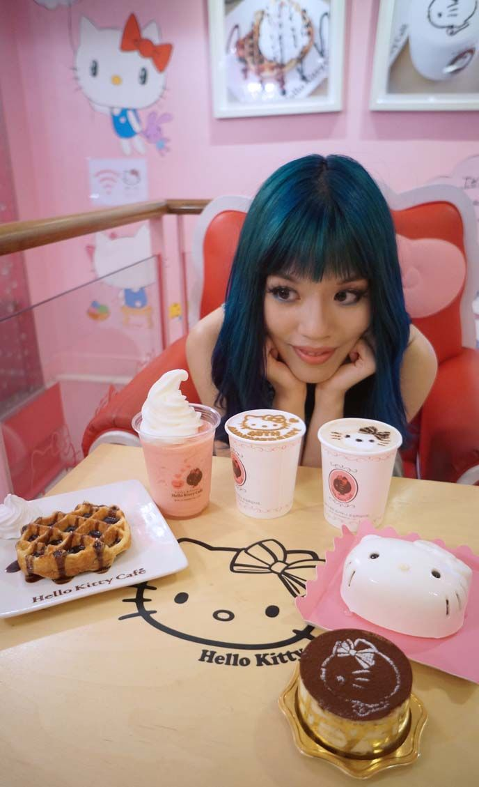 Photos from inside the Hello Kitty Seoul cafe, address, directions and more Kpop fun! Read at >> http://www.lacarmina.com/blog/2015/03/hello-kitty-cafe-seoul-korea-sanrio/  food at hello kitty cafe hongdae