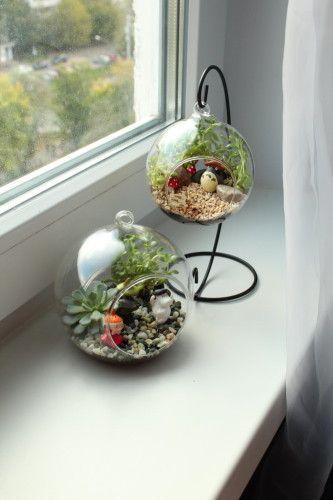 Herkese Merhaba. Minyatür bahçeler , mini bahçeler çok hoşuma gidiyor. Ev dekorasyonunda çok şık duruyor. Dışarıdan almayıp kendi yapmak isteyenler için ev
