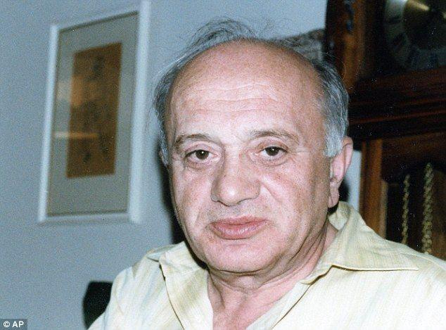 """""""Neochotný hrdina"""": Boruch Spiegel, viděný v rodinném fotografie pořízené v roce 1970 nebo 1980, bojoval proti nacistům během povstání ve varšavském ghettu 1943"""