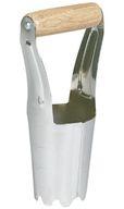 Oubliez le plantoir à bulbes. À la place, utiliser une pelle ou une bêche pour creuser une «fosse commune», placez vos bulbes et fermer le trou. Du gâteau!