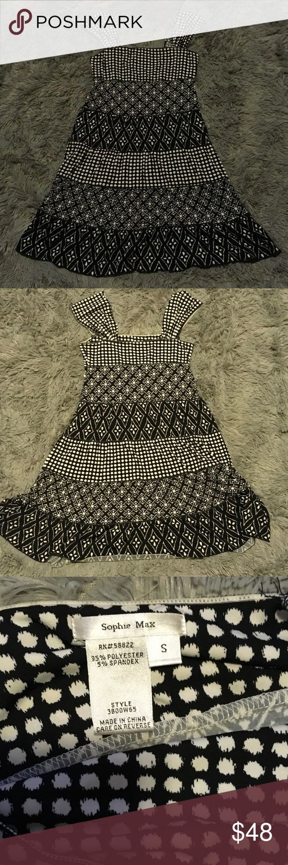 Sophie Max small black and white dress. Sophie Max black and white patterned dress. Super cute!!! In excellent condition only worn a few times. Size small. Comes from a smoke and pet free home. Sophie Max Dresses