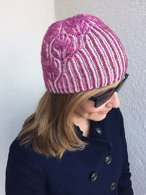 GlamoRose pattern by Katrin Schubert | malabrigo Arroyo in English Rose and Natural