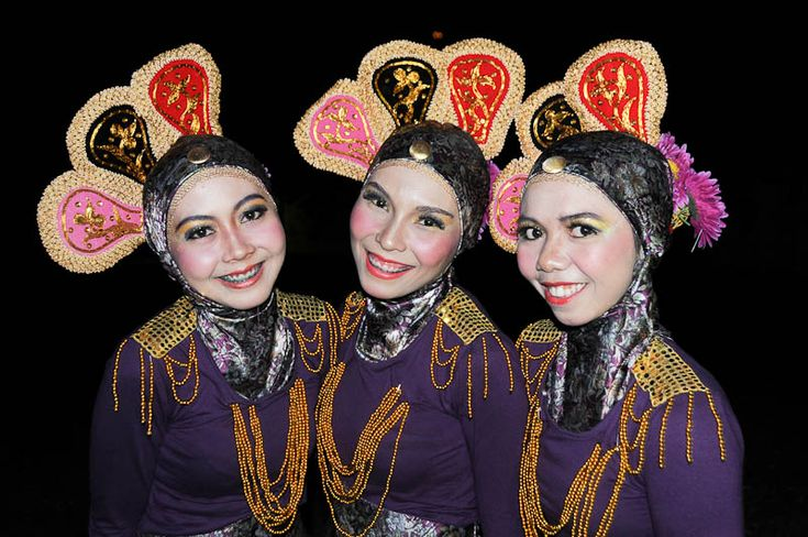 Woman, traditional dress, Banda Aceh, Sumatra, Indonesia, Indonesien, Frauen in traditioneller Kleidung