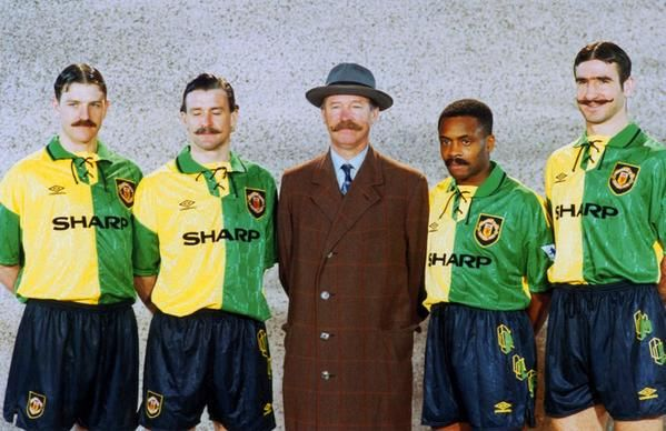 Lee Sharpe, Mark Hughes, Alex Ferguson, Paul Parker & Eric Cantona launch Manchester United's new away kit, 1992.