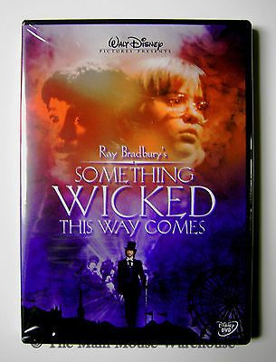 Disney Bradbury Something Wicked This Way Comes Haunted Carnival Halloween DVD