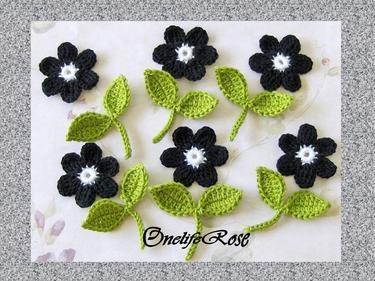 Flores delicadas de crochê