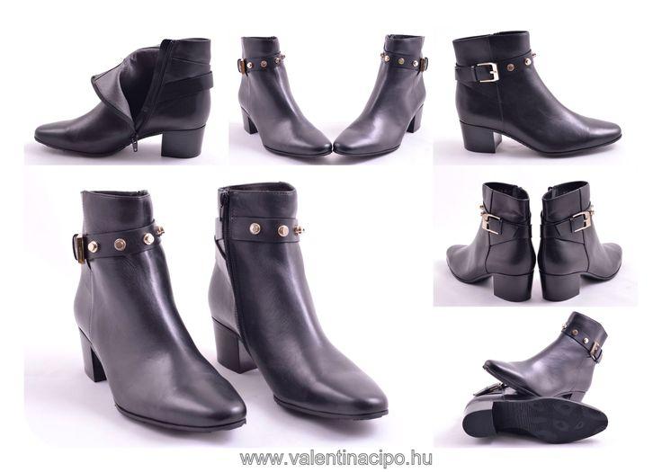 Egyedi, elegáns BeLLE bokacipő smile hangulatjel A Valentina Cipőboltokban és Webáruházunkban további BeLLE lábbelikből kényelmesen válogathat!  http://valentinacipo.hu/lxi-42  #belle #cipőbolt #cipőüzlet