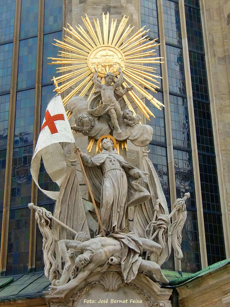 Groep figuren aan de noordwesten kant van de Stephansdom, Wenen